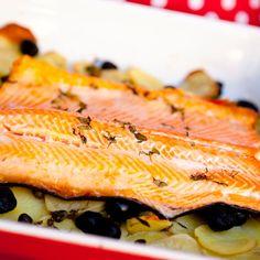 """""""Roots & Vegetables"""" – Mediterranean-inspired salmon on a bed of root vegetables, from my Fairtrade cookbook, """"Reilun kaupan ruokaa ja elämää"""" (Perhemediat, 2009; photo: Sininen Kuva) ⎮ recyclie.blogspot.fi"""