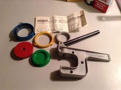 Badge a minit Button Press maker Hand press easy to use