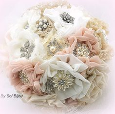 Broche Bouquet, rubor, marfil, bronceado, Beige, Champagne, ramo, ramo Jeweled, Gatsby boda, ramo de encaje, elegante, perlas de la boda