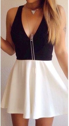Essential Flared Skirt - White