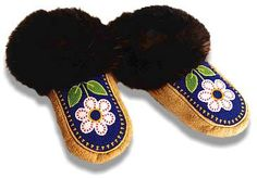 Metis Woodland Moccasins by Judy Kavanagh.  @jumaka.com Loom Patterns, Beading Patterns, Beading Ideas, Boho Rock, Beaded Moccasins, Medicine Wheel, Native Beadwork, Green Wool, Seed Bead Jewelry