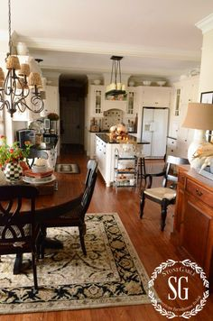 FALL HOME TOUR Get inspired for fall... lots of rooms and lots of images!