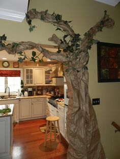 Hobbit party decorations #hobbit #partydecor @Cyndi Price Price Charney for Rhi's Sweet 16?