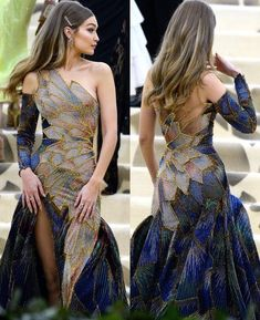 Gigi Hadid wearing Versace at The Met Gala May 2018 Gigi Hadid trägt Versace bei der Met Gala May 2018 Source by . Pretty Dresses, Beautiful Dresses, Evening Dresses, Prom Dresses, Long Dresses, Style Haute Couture, Look Fashion, Fashion Design, Runway Fashion