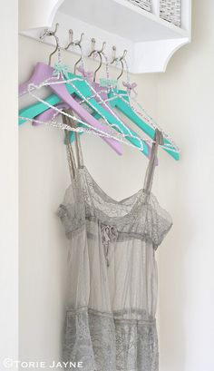 DIY guest room hangers by Torie Jayne