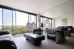 EIFFEL TOWER APT, STUNNING VIEW - Get $25 credit with Airbnb if you sign up with this link http://www.airbnb.com/c/groberts22