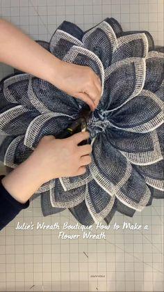 Diy Crafts For Home Decor, Diy Crafts Hacks, Cute Crafts, Crafts To Do, Creative Crafts, Fall Crafts, Holiday Crafts, Wreath Crafts, Diy Wreath