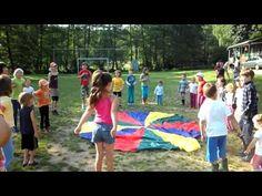 """Rozcvička s """"padákem"""" - YouTube Picnic Blanket, Outdoor Blanket, Gross Motor Activities, Beach Mat, Exercise, Education, Reading, Youtube, Fitness"""