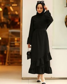 Modest Fashion Hijab, Abaya Fashion, Muslim Fashion, Fashion Dresses, Modest Dresses, Modest Outfits, Hijab Evening Dress, Casual Skirt Outfits, Mode Hijab