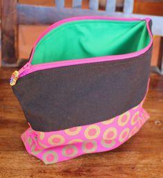 Purse organizer Cosmetic bag Make-up bag by KennaInAfrica Purse Organization, African Fabric, Zipper Pouch, Organizers, Bag Making, Cosmetic Bag, Clutch Bag, Make Up, Cosmetics