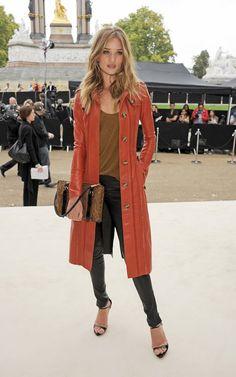 Rosie Huntington-Whiteley in a true warm autumn outfit - gorgeous