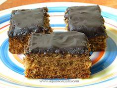 Receita de bolo pão de mel Trifle, Dessert Drinks, Dessert Recipes, Yummy Food, Tasty, Portuguese Recipes, Love Eat, Homemade Cakes, Chocolate