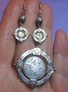 LOVELY VICTORIAN AESTHETIC SILVER & GOLD PARURE OF BROOCH & PENDANT EARRINGS