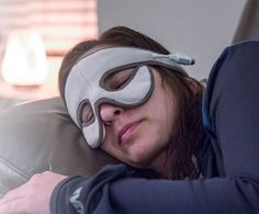 Rid yourself of blocked sinuses the natural way with the Sniff Relief Self-Heating Mask.