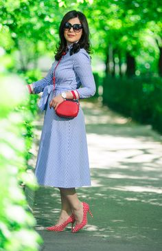Stripes and dots for a lovely spring: shirt dress, striped dress, midi dress, summer dress, red shoes, dotted shoes, heels, belted dress, cross body bag, red bag