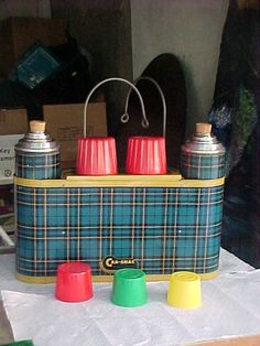 Vintage Thermos Snack Set – 2 thermoses, cups & a space for sandwiches, plus hooks to hang over the seat back