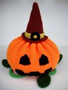 Crochet Pattern HALLOWEEN PUMPKIN Toys. Halloween crochet  #halloween #crochet ww.loveitsomuch.com