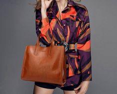 Women's Travel Tote Designer Handbag Travel Handbags, Best Handbags, Purse Essentials, Crossbody Bag, Tote Bag, How To Make Handbags, Travel Tote, Perfect For Me, Beautiful Bags