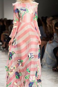 Blumarine at Milan Fashion Week Spring 2016 - Details Runway Photos