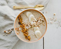 We love quinoa recipes in all shades, shapes and sizes. This remix of a dessert give us whole food nourishment with the cozy goodness of comfort food.