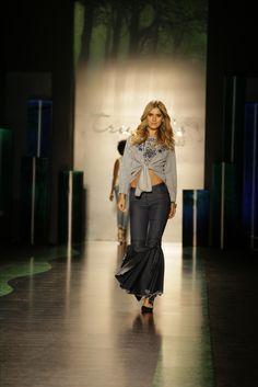 Una mujer debe ser dos cosas: Fabulosa y Elegante. Coco y Chanel #ropa #denim #estilo