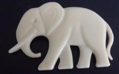 VINTAGE~ BEAUTIFUL WHITE ELEPHANT LUCITE BROOCH ~ FAVORITE POLITICAL SYMBOL