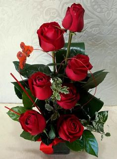 Beautiful Rose Flowers, Colorful Flowers, Modern Flower Arrangements, Seed Packaging, Poinsettia, Centerpieces, Floral Wreath, Bouquet, Valentines
