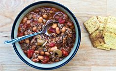 Our Favorite Slow Cooker Turkey Chili recipe: made many many times.should be entered in a cookoff it's so good! Epicure Recipes, Spicy Recipes, Chili Recipes, New Recipes, Healthy Recipes, New Cooking, Cooking Turkey, Mini Burger Buns, Slow Cooker Chili