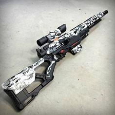 Nerf Longstrike camuflaje Ártico negro por JLCustomsCreations Airsoft, Modified Nerf Guns, Cool Nerf Guns, Nerf Mod, Armas Ninja, Concept Weapons, Custom Guns, Fantasy Weapons, Weapons Guns