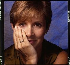 Actress Carrie Fisher posing for Premiere Magazine in 1989 in New. Debbie Reynolds Carrie Fisher, Carrie Frances Fisher, Hannah And Her Sisters, Billie Lourd, Princesa Leia, Solo Photo, The Blues Brothers, Han And Leia, Star Wars Film