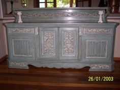 Look at what I finished this week. Buffet/ sideboard finish in Annie Sloans chalk paint, colours are Duck egg and detail is old white. Distressed and finished in a dark wax.
