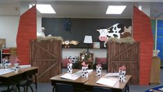 Clutter-Free Classroom: Western / Cowboy / Country Themed Classroom {Ideas, Photos, Tips, and More}
