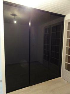 façade verre laqué noir profil laqué noir, avec amortisseurs de fin de course