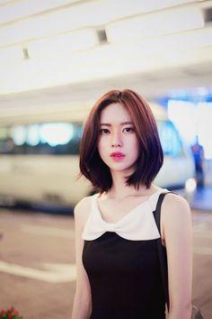 Korean Short Haircut, Asian Short Hair, Asian Hair, Short Hair Korean Style, Korean Bob, Ulzzang Short Hair, Ulzzang Girl, Medium Hair Cuts, Short Hair Cuts