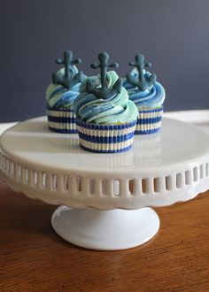 Anchors away!  Nautical cupcakes for the end of summer.  -- SomersetCakes.com
