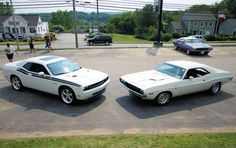 2009 Dodge Challenger R/T and 1970 Dodge Challenger R/T 2009 Dodge Challenger, Vanishing Point, Mopar Or No Car, Pony Car, Car Car, Back In The Day, Plymouth, Muscle Cars, Cool Cars