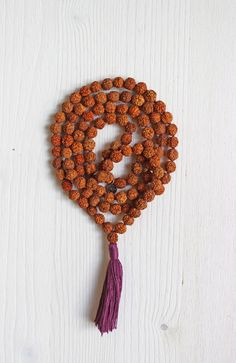 A simple yet sacred combination of rudraksha beads forms this perfect mala. Enhance your practise with the Meditate Mala, and allow yourself to travel the path of enlightenment.