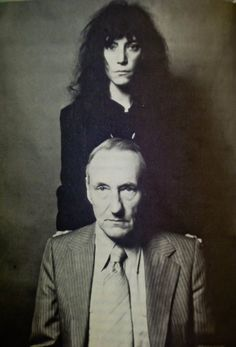 Patti Smith and William Burroughs. Photo by Robert Mapplethorpe from: With William Burroughs: A Report from the Bunker book by Victor Bockris. Beat Generation, Jack Kerouac, William S Burroughs, Just Kids, New Wave, Writers And Poets, Beatnik, Belle Photo, Punk Rock