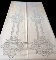 """Lagartera´s Tablecloth HAND Embroidery, with the art of the classic """"pull thread"""" or filtiré on colored fabric. Crochet Art, Filet Crochet, Embroidery Stitches, Hand Embroidery, Handmade Crafts, Diy Crafts, Crochet Tablecloth, Bargello, Chrochet"""