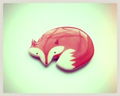 Totally obsessed with little foxes.... Free shipping Brooch  animal broochcute fox by Dinabijushop, $19.00
