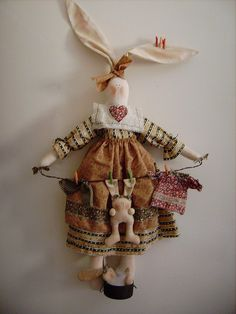 Coelha Bunny by Amábile's Country Dolls, via Flickr