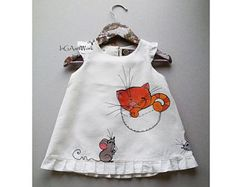 This article is not available Wedding girl outfit. White lace dress with painted cute cat. Little Dresses, Little Girl Dresses, Girls Dresses, Wedding Girl, Boho Wedding, Off White Dresses, Painted Clothes, Baby Sewing, Kids Wear