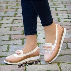 Trailer Powder White Bow Ballerina – Ayakkabı Delisiyim – Join in the world of pin Gray Nike Shoes, Adidas Shoes Women, Women Oxford Shoes, Loafers For Women, Denim Shoes, Sock Shoes, Cute Shoes, Me Too Shoes, Shoe Boots