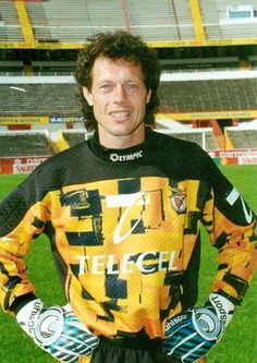 Michel Preud'homme, Benfica 1995 Football Love, Football Shirts, Football Players, Premier League, Bristol Rovers, My Dream Team, Different Sports, Saint Michel, Sports Clubs