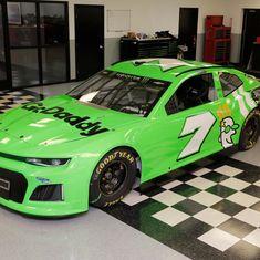Danica Patrick's 2018 car for her last 2 races.Daytona 500 and Indy 500 Nascar Shop, Nascar Race Cars, The Intimidator, Martin Truex Jr, Danica Patrick, Daytona 500, Tuner Cars, Chevy, Green Cars