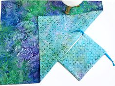 Reversible Spread Cloth Set Swirls of Blues and Greens