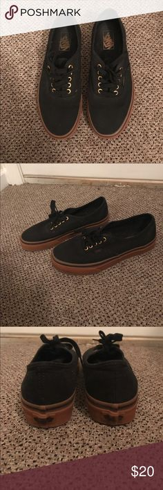 Black Vans Shoes I used twice. I'm selling because it's too big for me😊 No smell at all! No tears 😊 I ship fast 🤓 Vans Shoes Sneakers