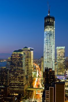 NYC. One World Trade Center August 2012 Progress Shot  //, Flickr. Ryan Budhu