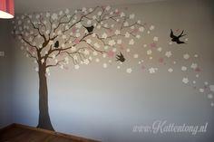 Muurschildering babykamer door Kattentong Decoratiewerken. Nursery Room, Ideas Para, Room Ideas, Wall Art, Kids, Home Decor, Paintings Of Trees, Young Children, Boys