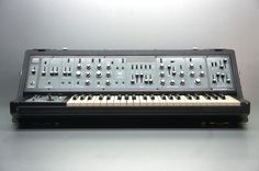 Original Roland SH-5 SH5  Perfect Working.